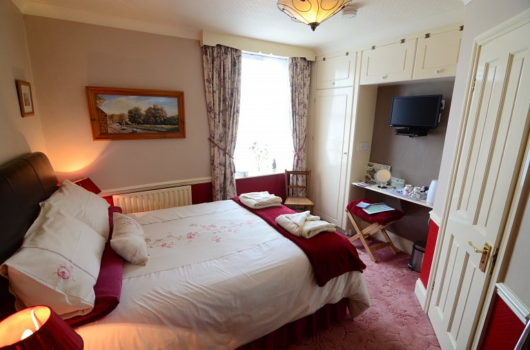Double En-Suite Bedroom in Sleights, Whitby